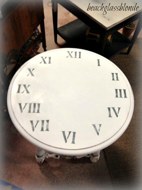 clock table top