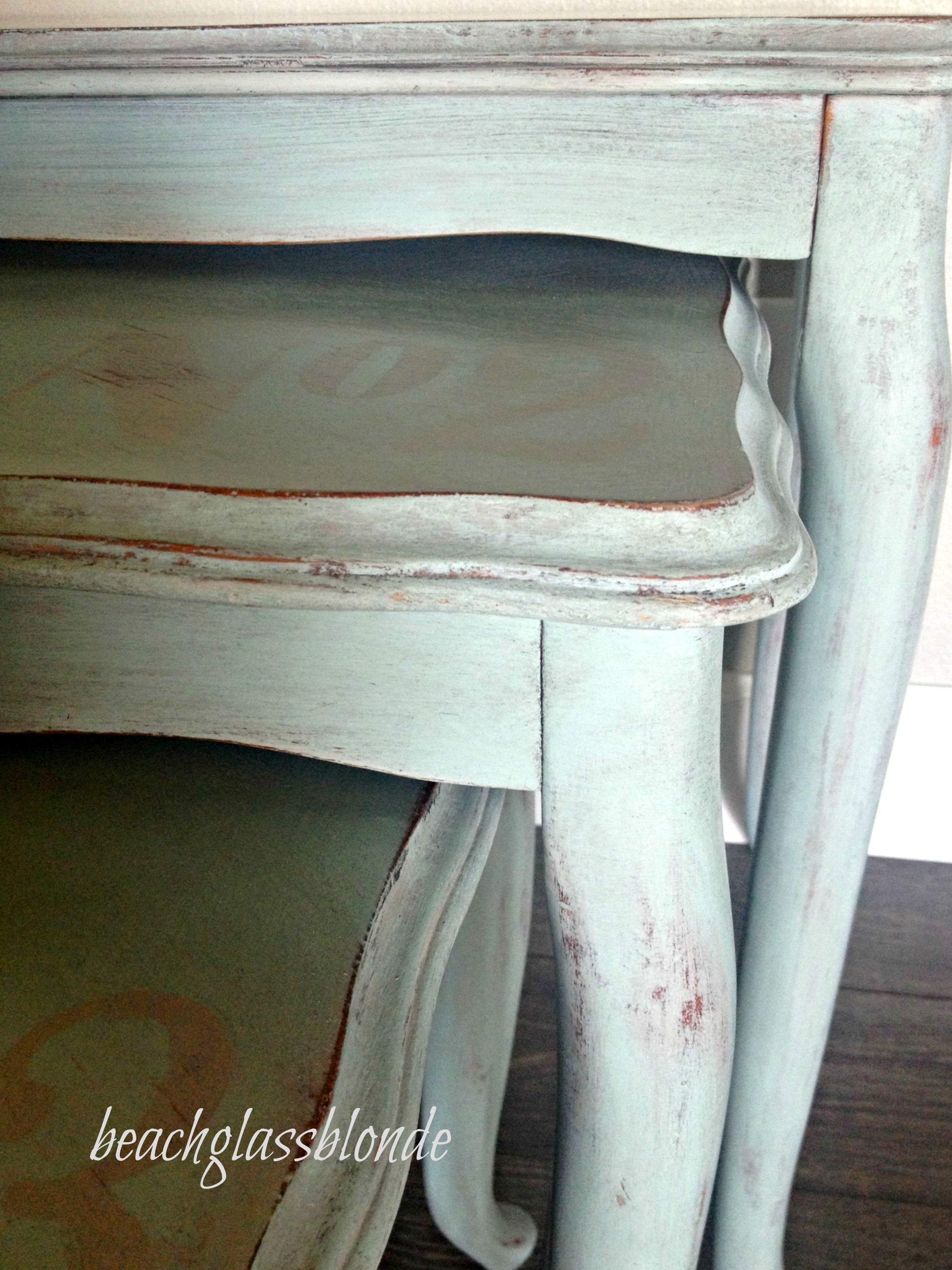nesting tables 123 closeup